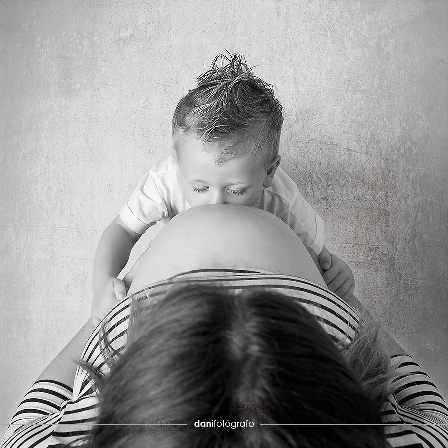 Foto de embarazo y familia en Oviedo, Avilés, Gijón, Siero, Pola, Salinas